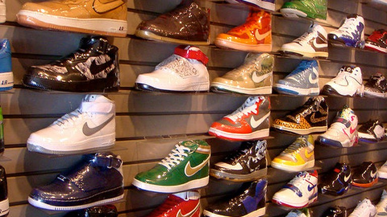 newest c6f17 2c73b The 10 Best Sneaker Shops In L.A.
