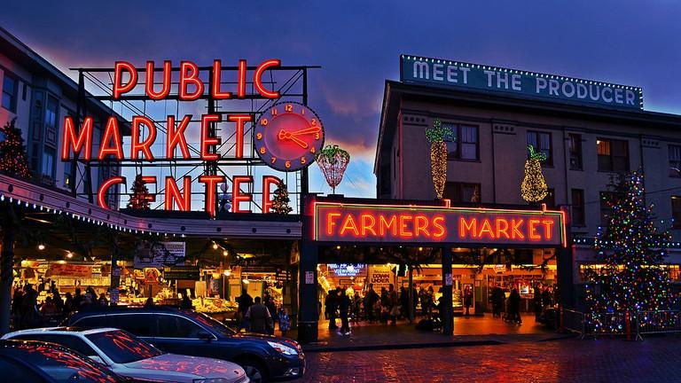 Pike Place Market Entrance | © Mtaylor444/WikiCommons