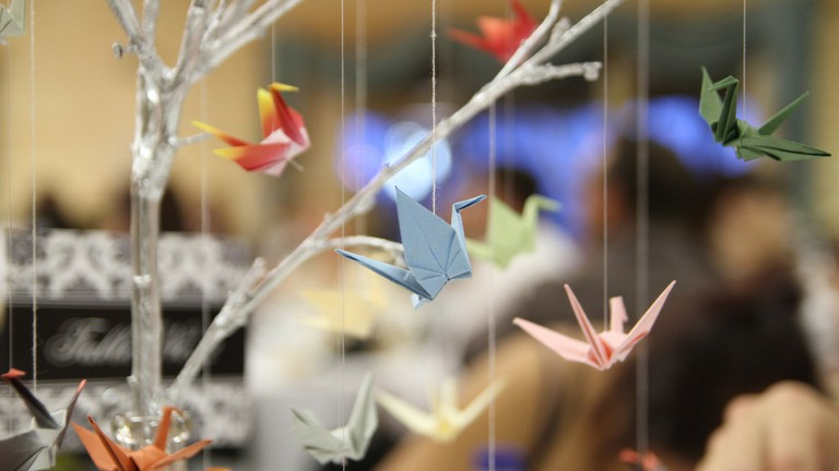 What is the symbolism behind an origami crane? - Quora | 432x768