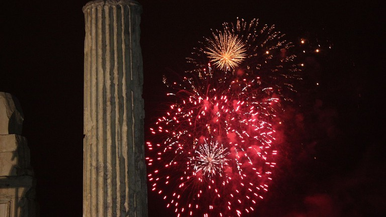 Fireworks in Athens  © Shadowgate/Flickr