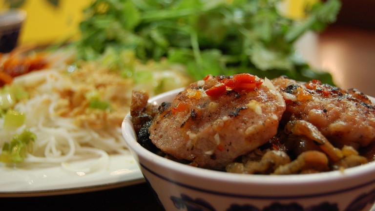 Top 10 Traditional Vietnamese Dishes You Need to Try