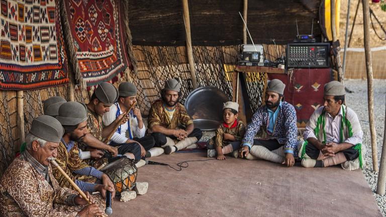Sale Blu Di Persia Wikipedia : An introduction to irans traditional dress