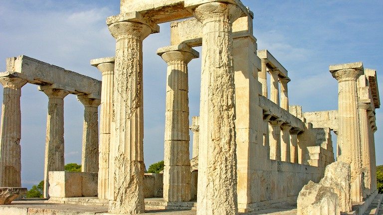 19 Essential Greek Phrases You Need to Know