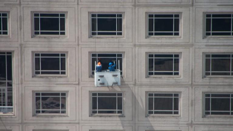 KL Window Washers   (c)Christian Haugen / Flickr <https://www.flickr.com/photos/christianhaugen/3437054671/>