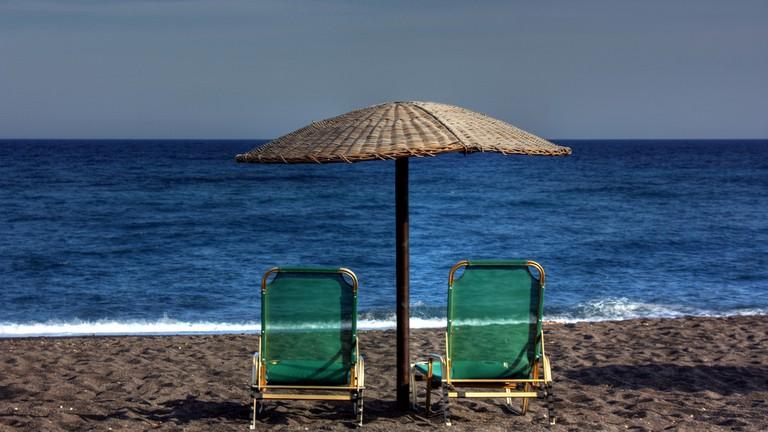 Blissful Beaches To Visit In Santorini
