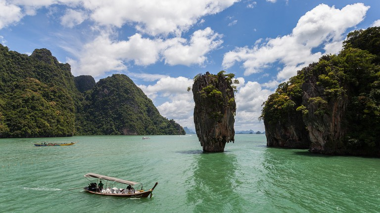 Isla Tapu, Phuket, Thailand (Commonly known as James Bond island)   © Diego Delso/wikicommons