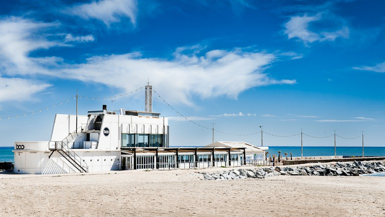 Barcelona's Best Beach Bars to Hang this Summer