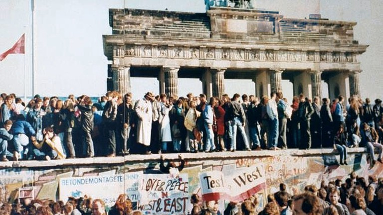 berlin wall article