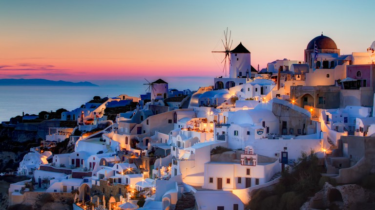 The Best Places To Watch The Sunset In Santorini