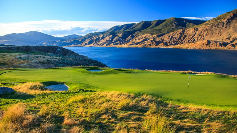 Lakeside at Tobiano Golf Course | © Murray Foubister / Flickr