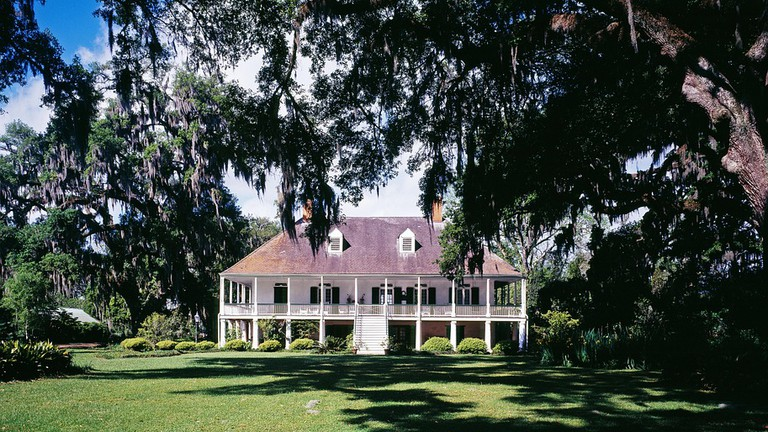 Superb 10 Notable Southern Plantation Tours In The United States Home Interior And Landscaping Ymoonbapapsignezvosmurscom