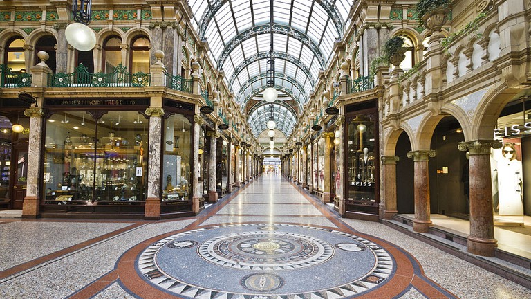 Shopping in Leeds   © Michael D Beckwith / Wikimedia Commons