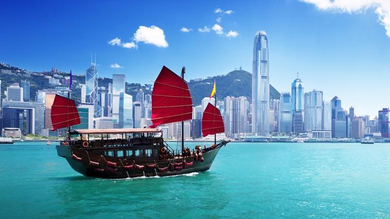 The Story Of Hong Kong S Iconic Aqua Luna Red Sail Junk Boats