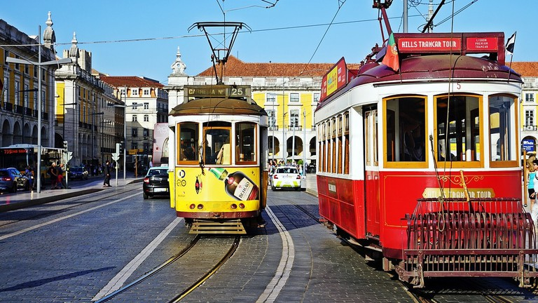 How to Travel and Get Around in Portugal