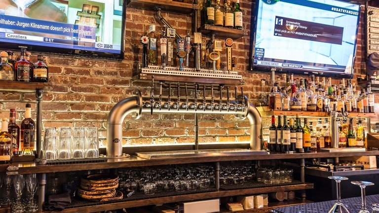 seattle hook up bars