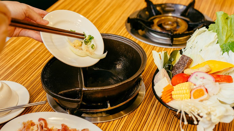 Prime The Best Hotpot Restaurants In London To Try Out Interior Design Ideas Tzicisoteloinfo