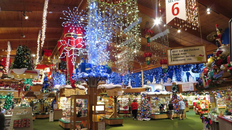 Christmas Michigan.The World S Largest Christmas Store Is In Frankenmuth Michigan