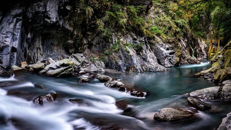 River at Li Song Hot Spring   © 白士 李 / Flickr