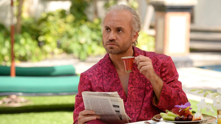 The Assassination Of Gianni Versace Skimps On Fashion And Motivations