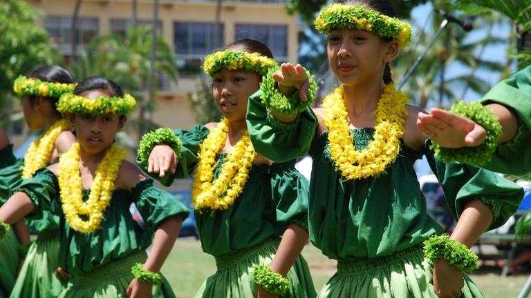 4721258e95bb Behind the Art of the Hawaiian Hula