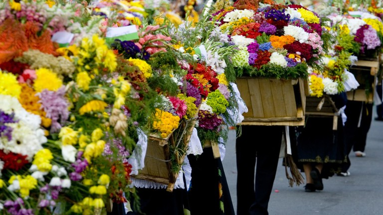 The festival finishes with a huge parade of farmers carrying beautiful flower arrangements | © Guía de Viajes Oficial de Medellín / Flickr