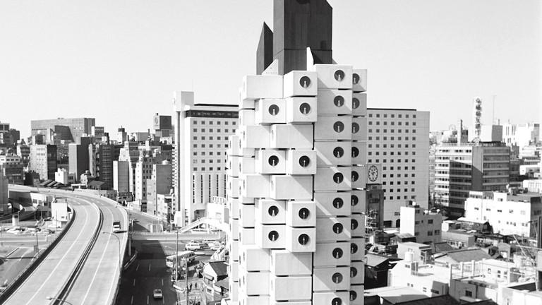 https://img.theculturetrip.com/768x432/wp-content/uploads/2018/10/516-nagakin-capsule-tower-jp.jpg