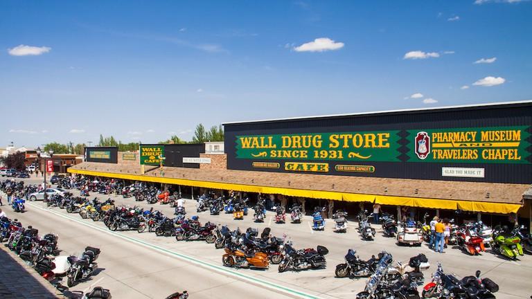 wall-drug-storefront.jpg