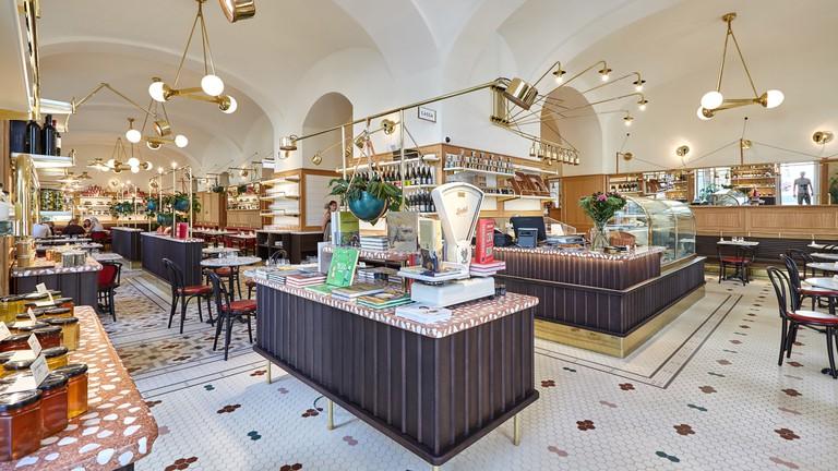 Börze's breakfast menu offers a rich mix of Hungarian classics and modern eats