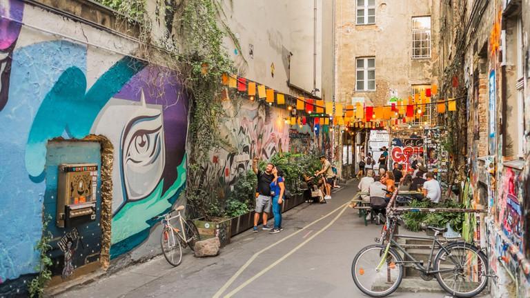 Street art at Hackescher Markt, Berlin