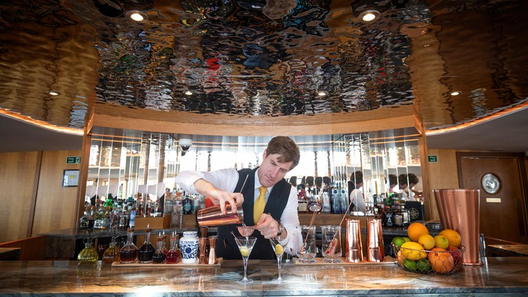 Having a drink or two in Edinburgh doesn't have to be expensive