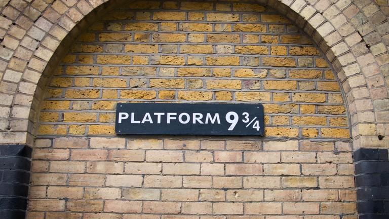 Harry Potter Fans to Celebrate Back to Hogwarts Day Virtually