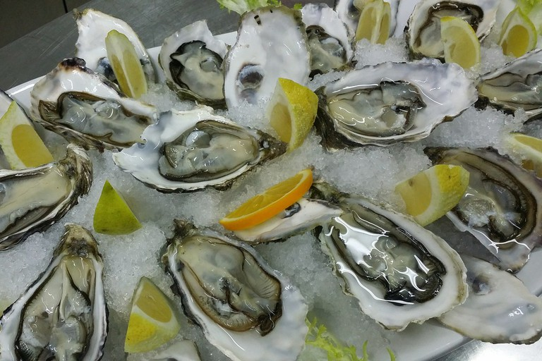 The restaurant also offers tasty seafood salads, fish sandwiches, and raw oysters