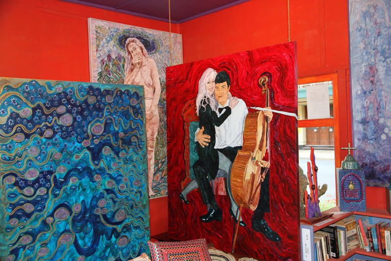 Leslie's Art Gallery: Vivi Muchmore