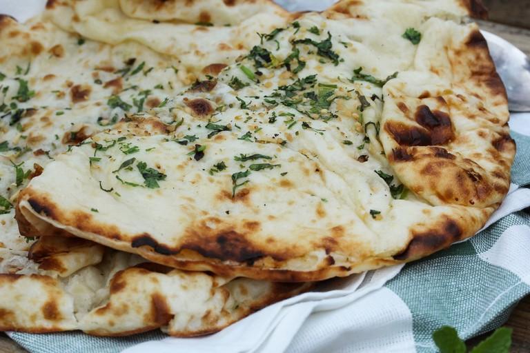 Naan / Indian flat bread- Tandoori baked garlic naan