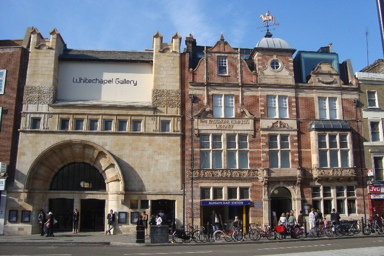 Whitechapel Gallery, Whitechapel High Street
