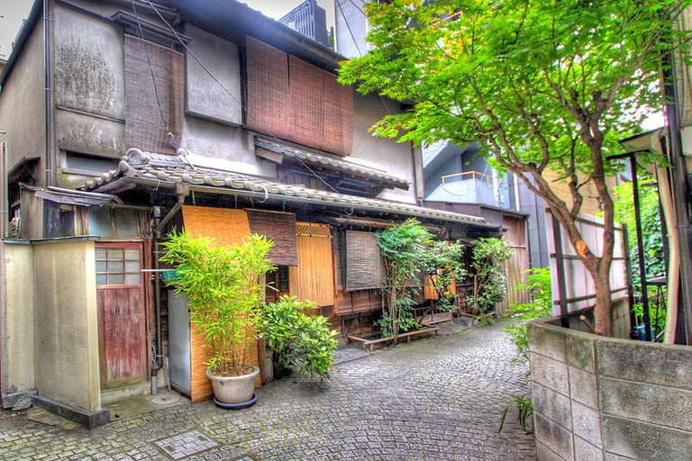 An old-fashioned street at the up-and-coming Kagurazaka neighborhood | © Kabacchi/WikiCommons