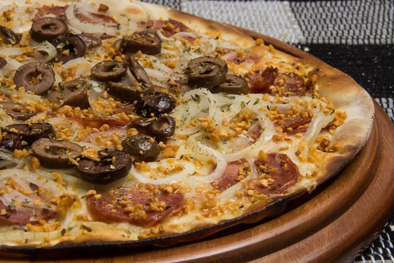 Pizza at Os Renatos