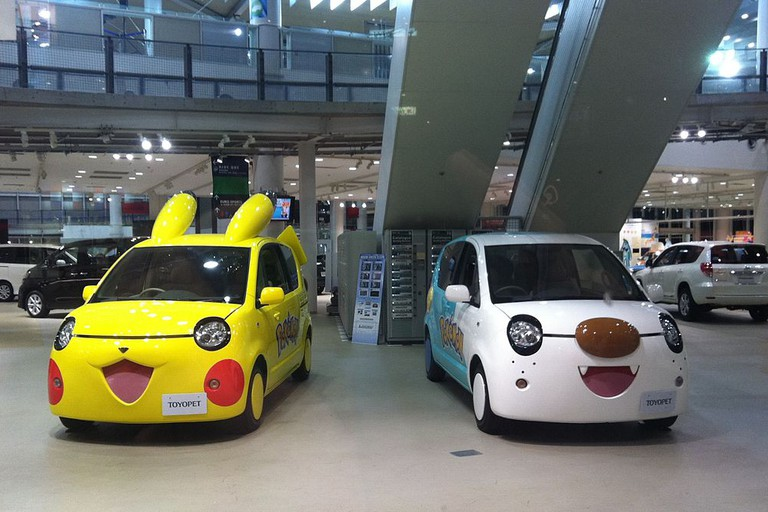 Pokemon cars ready to go in Odaiba | © Laika ac/Flickr