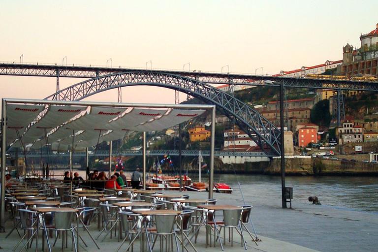 Cafe Cais & Ponte D.Luis