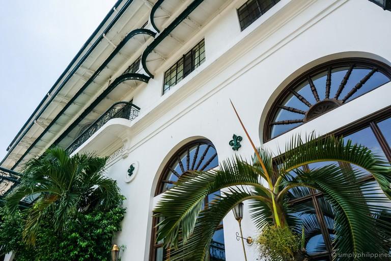 Facade of Manila Hotel