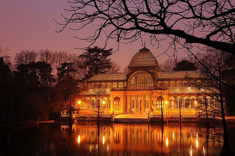 The Palacio de Cristal at night