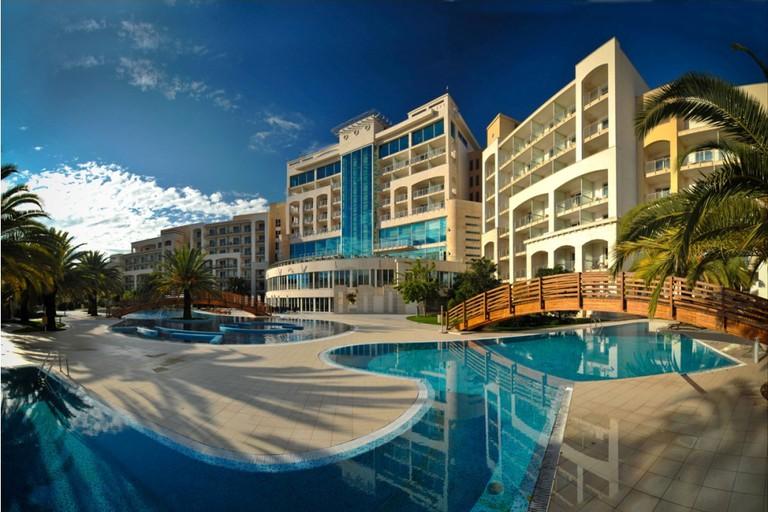 The luxury swimming pool at Hotel Splendid