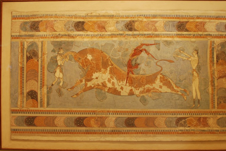 Bull-leaping, fresco from the Great Palace at Knossos, Crete, Heraklion Archaeological Museum | © George Groutas / Flickra