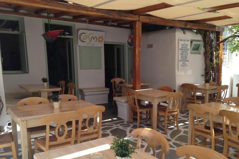 Cosmos Café, Mikonos