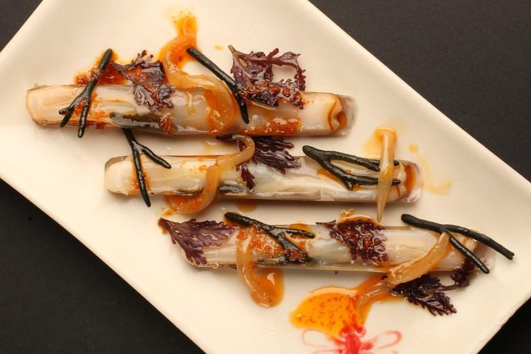 Thai-style razor clams