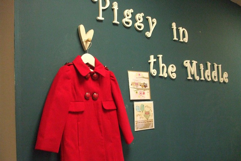 Red Coat, Piggy in the Middle