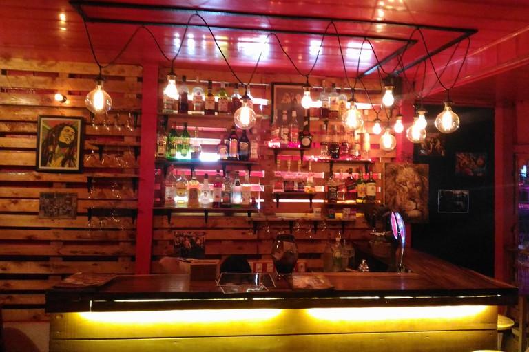 Red Bar, Tonle Bassac