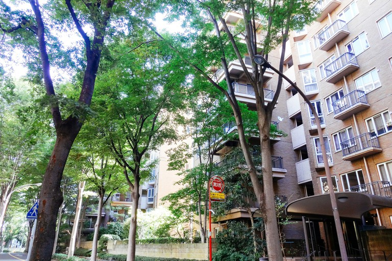 Condominium in Hiroo | © Dick Thomas Johnson/Flickr