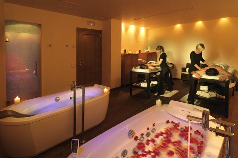 A private treatment room at the Caroli Spa, Valencia