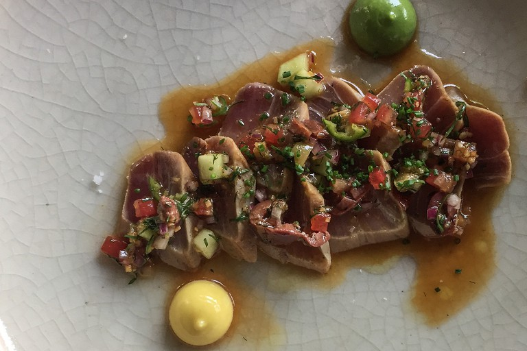 Tuna dish at Máximo Bistrot